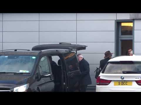 Johnny Depp arrives into Dublin how hot is he :)