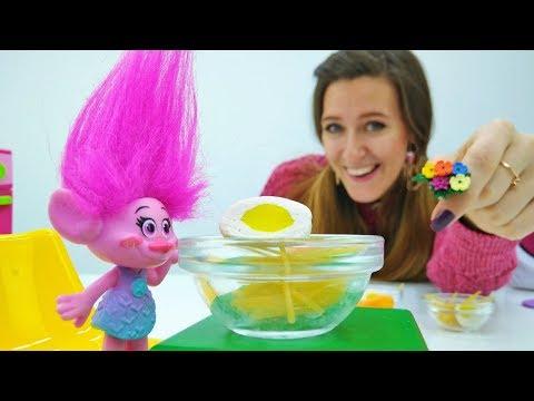 Princesas Sofia y Amber, Trolls Poppy en la Guardería Infantil