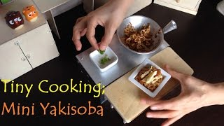 Miniature Cooking: Tiny Stir Fry Vegetable Yakisoba With Scrambled Egg (mini Food)