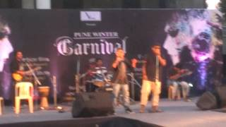 Doorie Sahi Jaye Na - Live at Amanora Pune Winter Carnival 2014