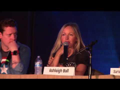 Everfree Northwest 2018 Rainbow Dash club panel