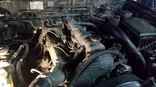 Mazda B 2500 - Ремонт дизельного двигуна, заміна головки блоку і поршневих кілець.