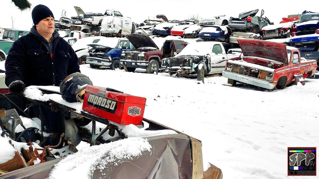 WINTER JUNKYARD ADVENTURE! Turbo LS Project Parts for CHEAP | S10 Build  continues