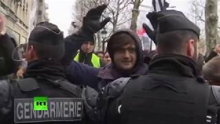 В Париже проходят новые акции протеста «жёлтых жилетов»
