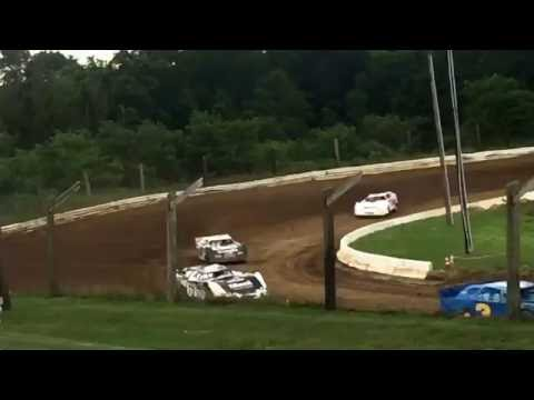 Roaring Knob Speedway: Fast Track Latemodel Heat Race and Feature Start of race. July 9th, 2016
