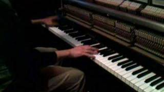 Jaws theme (comp. by John Williams - piano interpretation by Giorgio Rizzarelli)