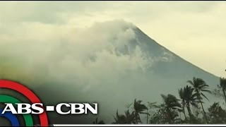 Albay residents brace for possible Mayon eruption