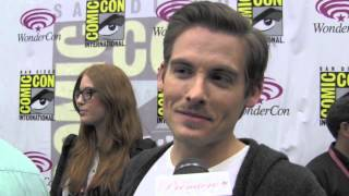 Kevin Zegers of