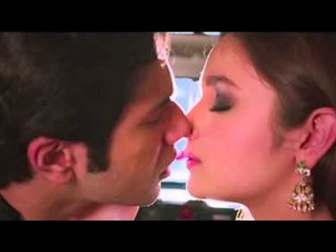 Image result for humpty sharma kiss""