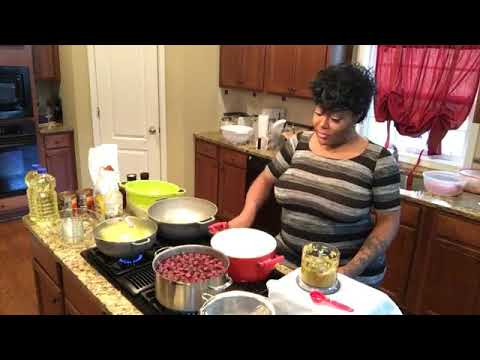 """Ts Madison """"Bish lets Dish"""" Ep.3 Golden Fried chicken + Baked Beans +Blackberry Juice"""