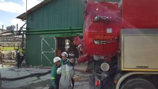 Liquid Free Flow Discharge - Dickinson Group - Industrial Vacuum Services