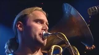 La BrassBanda - Bayrischer Techno ( live @ Zirkus Krone )