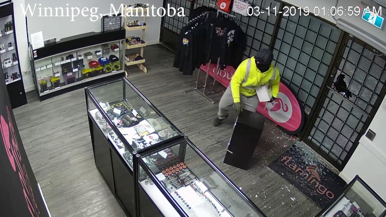 VAPE SHOP ROBBERY BREAK IN VIDEO -- HELP FIND THEM - Flamingo Vape Shop