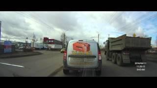 В Абакане на знаменитом перекрестке водители стартуют на красный(, 2016-04-11T06:50:34.000Z)