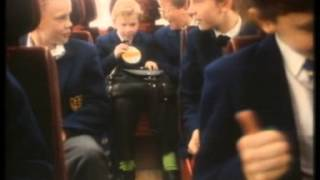 Repeat youtube video Dairylea Ad Reel B&W - late 1950s, school trip 1988, Moo lecture.mpg
