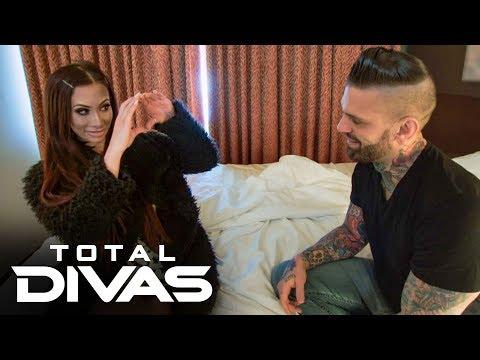 Carmella and Corey Graves make up: Total Divas, Oct. 15, 2019