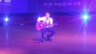 Lê Hồng Hà - guitar Suy nghĩ trong anh (Nụ cười tỏa nắng)- CK SV tài năng thanh lịch 2016