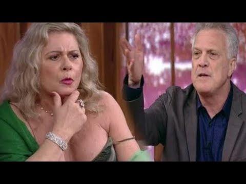 """Pedro Bial e Vera Fischer se divertem no jogo da verdade """"Coversa com Bial"""" 21/11/2017"""
