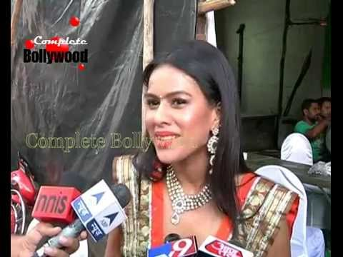 On Location of TV Serial 'Pavitra Rishta'  Bulbul dances for Ganapati  2