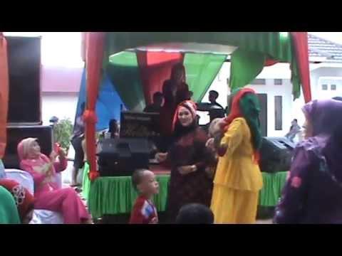 Video Dangdut Astri Vs Evie Tamala