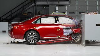 2018 Lincoln Continental passenger-side small overlap IIHS crash test