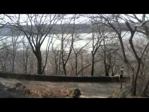 Cloisters Museum - Fort Tryon Park. How to get to the Cloisters from outside Fort Tryon Park