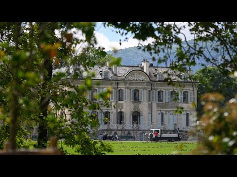 قناة RT في قصر -لا غرانج- ساعات قبل انطلاق القمة  - نشر قبل 3 ساعة
