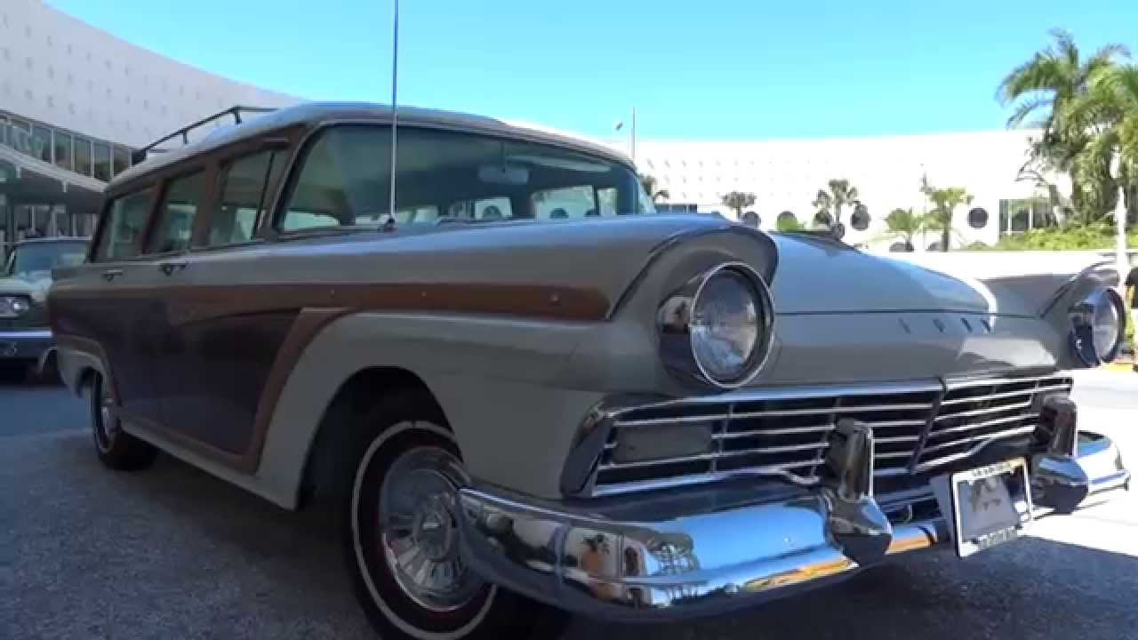 Cool Classic Cars At The Cabana Bay Beach Resort In Orlando Youtube