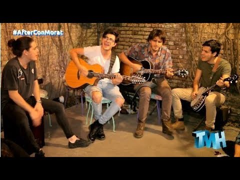 Morat interpretando hits en versión acústica con artistas argentinos