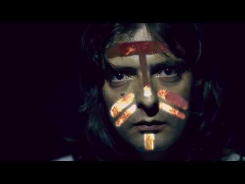"""Rodolfo Krieger anuncia projeto solo; confira clipe de """"Louvado Seja Deus"""""""