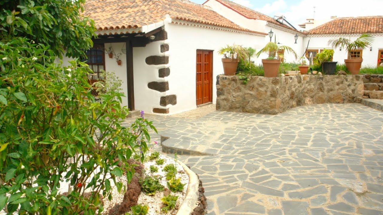 Casa rural finca roja la laguna tenerife norte youtube for Casas en la finca
