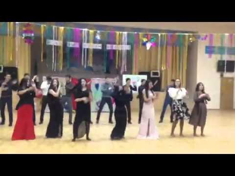 Видео, Новогодний флешмоб от выпускников 2016