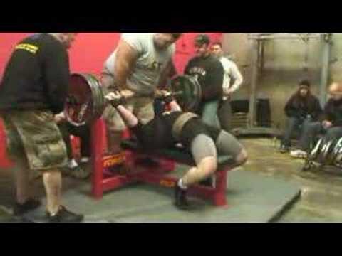 Team Super Training:Ryan Higgins 606 Bench UPA CA State Meet