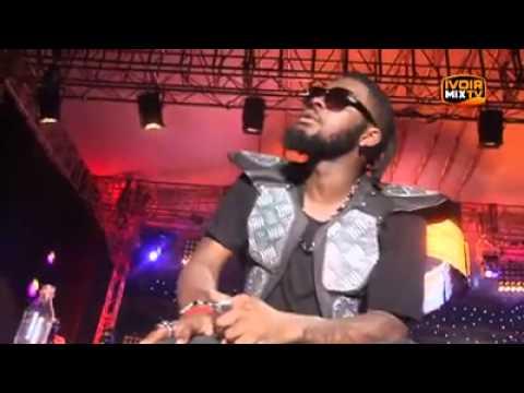 DJ Arafat nous parle de sa vie en chanson - Moment très émotionnel