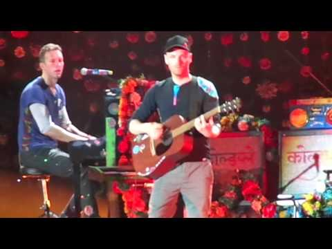 Coldplay - The Scientist (Live at Maracanã Stadium)