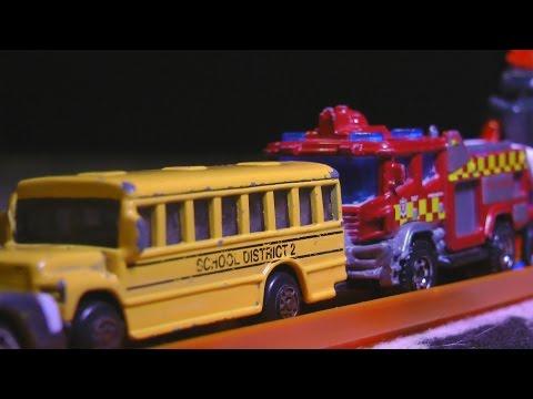 HOT WHEELS TRAFFIC JAM! Police car!  School Bus!  KIDS TOY CARS!