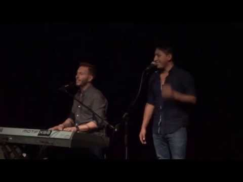 Noel Schajris canta en Lima junto a Allen Changra, imitador de Luis Fonsi