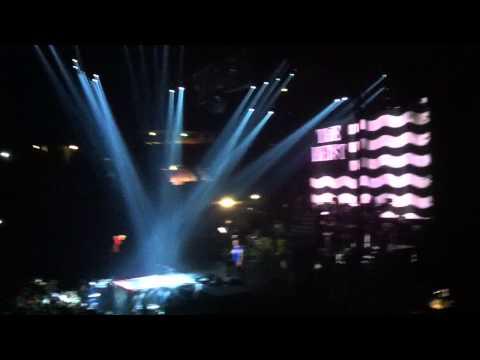 MACKLEMORE & RYAN LEWIS - Irish Celebration/Can't Hold Us (Live in Milan)