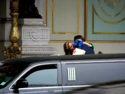 Leighton Meester (Blair Waldorf) And Ed Westwick (Chuck Bass) Film On Gossip Girl