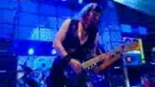 Iron Maiden - Wildest Dreams (Live at Top of the Pops)