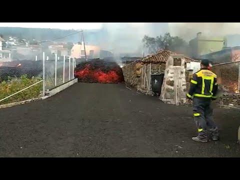 Download La colada de lava sigue avanzando causando daños en viviendas en La Palma