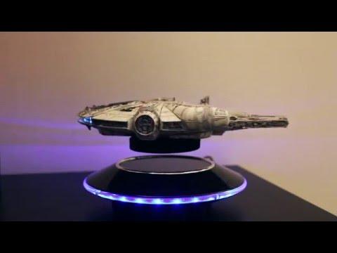 millennium falcon flying