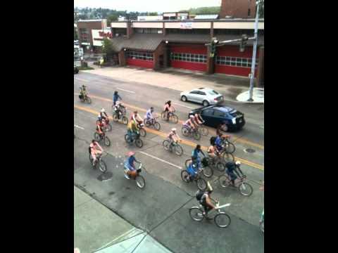 Fremont Summer Solstice Parade.MOV