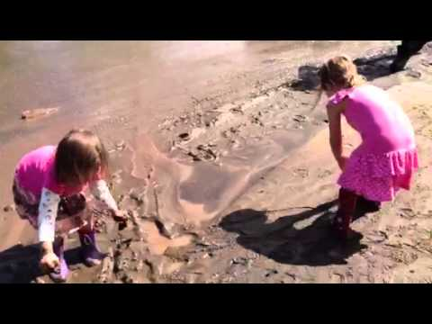 """Glitter Glue!"" Mud play post Boulder Flood"