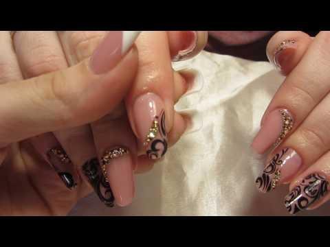 Ногти бежевые с рисунком
