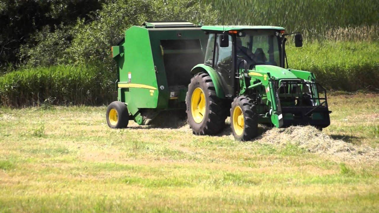 John Deere 459 Round Baler Making Hay