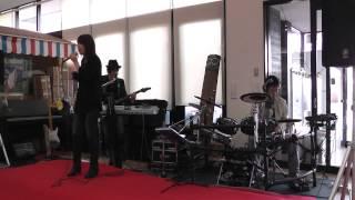 VOICE COLOR ボーカル、シンセ&ギターのユニットです。 YAMAHA MOTIF E...