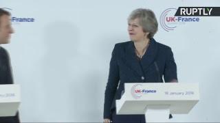 Conférence de presse d'Emmanuel Macron et Theresa May à l'Académie militaire royale de Sandhurst