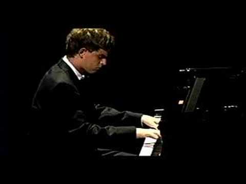 Beethoven  - Moonlight Sonata Adagio Sostenuto