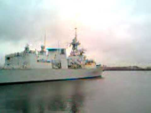 HMCS Fredericton (FFH 337) Heads for sea from Charlestown/Boston MA